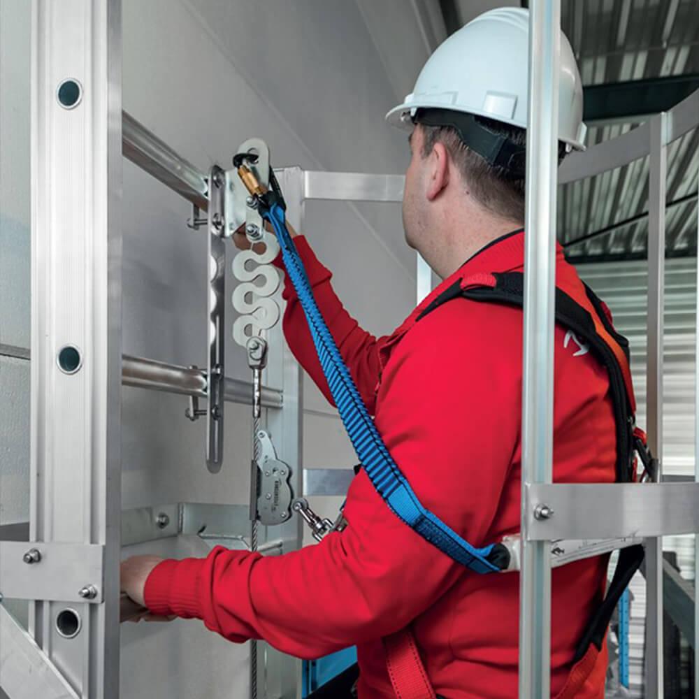 Accen Vertic Line- vertikales Sicherungssystem, verwendet an Leitern und vertikalen Verkehrswegen